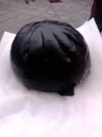 黒肉まん_a.jpg
